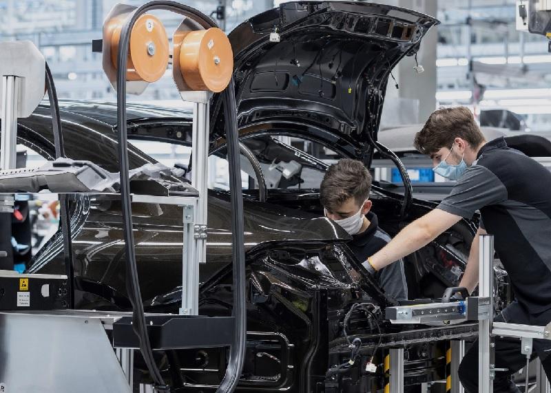 Mercedes_s-class_factory_56_3